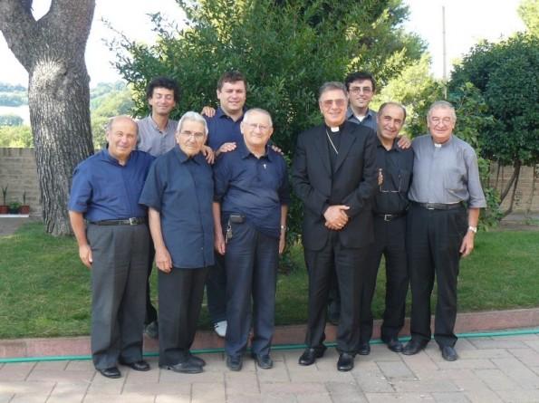 S. E. Mons. Coccia con i Parroci della Zona Pastorale di Montecchio